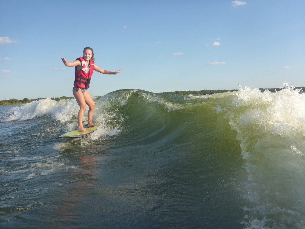 Test student, Tara, surfing on the opposite prop rotation side with Mission Delta engaged