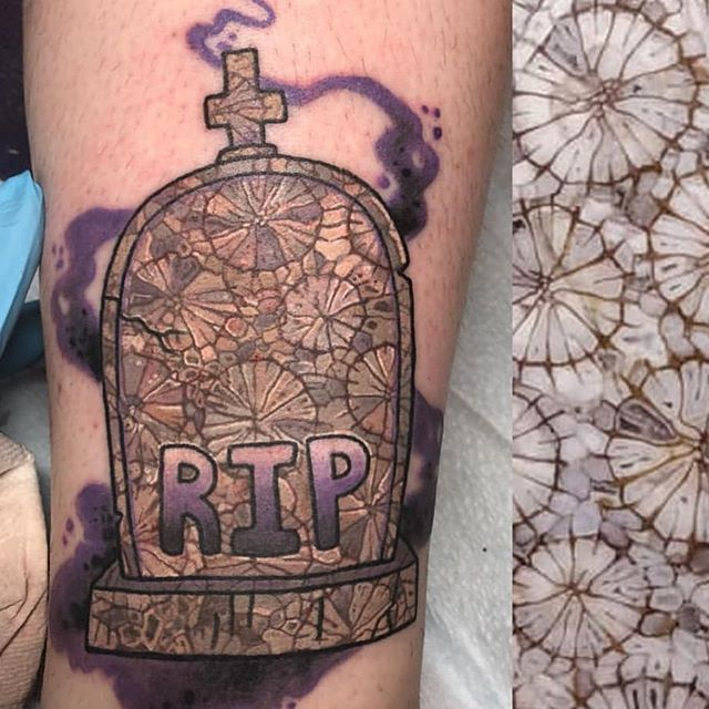 @quinners666 pulled her inspiration for this #tombstone #tattoo from a piece of fossilized coral. #boringisdead bring life to your new piece with a custom idea like this from Quinn.