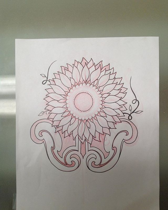 Sunflower up for grabs.  #tattoo #tatuaje #tatouage #sunflowertattoo #artnouveautattoo