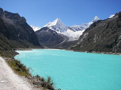 Figura 1. Laguna de Parón, Ancash. Fuente de agua de importancia económica, ambiental y social ya que es muy valorada por los pobladores de Caráz.