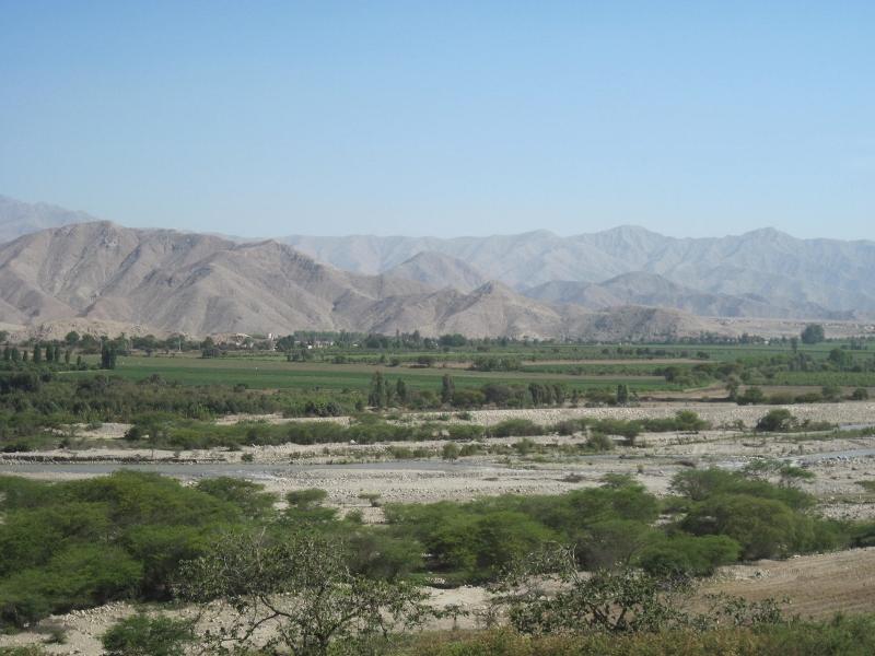 Vista del valle de Ica. Fuente:www.agua-andes.com