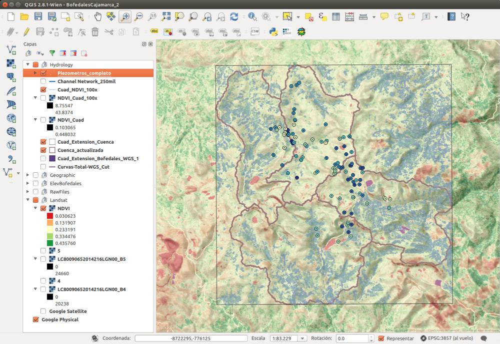 Entorno de QGIS con datos espacialpara una cuenca andina.