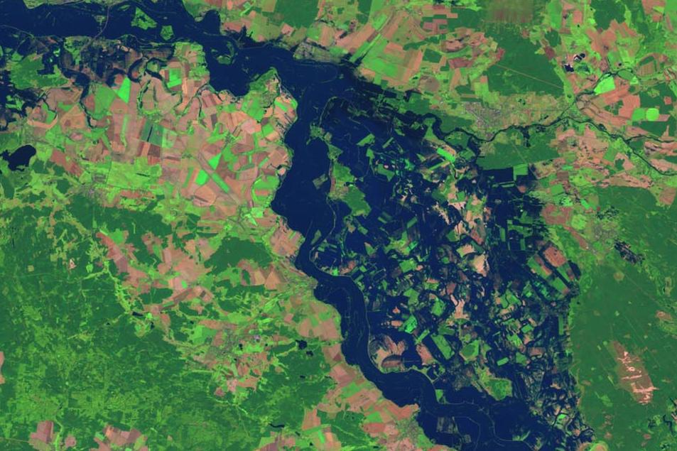 Vista satelital de una inundación en el Rio Elba