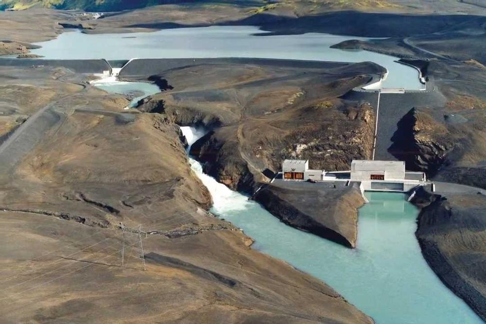 Fig.1 Represa de Vatnsfell en Islandia, funcionando desde 1970.