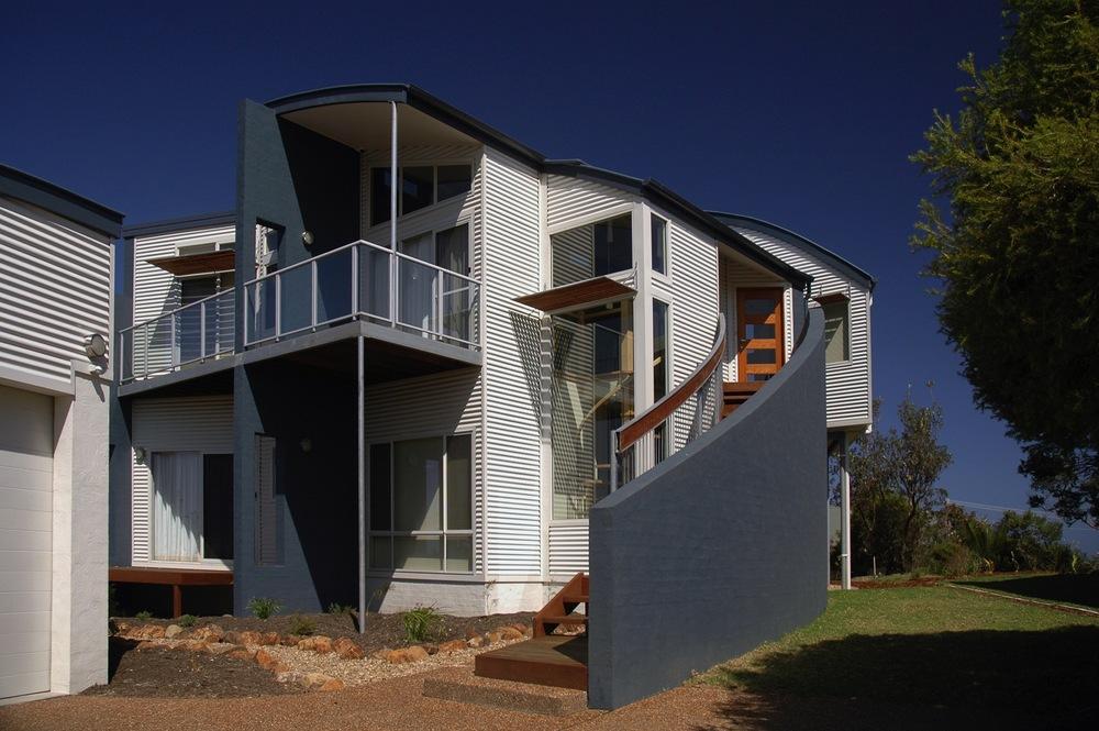 Merry Beach Residence