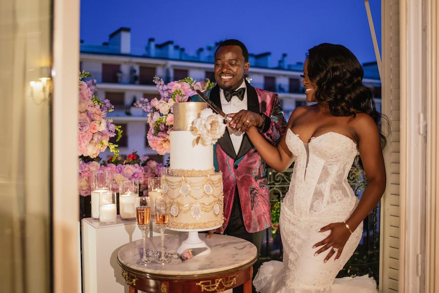 Funke-and-Jide_wedding_fall-2018_munaluchi-bride-magazine_munaluchi_decor_fashion_bridal_gown_paris_france_paris-wedding_multicultural-love28-1.jpg