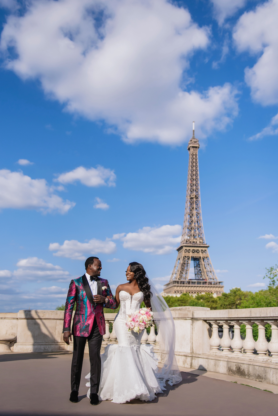 Funke-and-Jide_wedding_fall-2018_munaluchi-bride-magazine_munaluchi_decor_fashion_bridal_gown_paris_france_paris-wedding_multicultural-love25.jpg