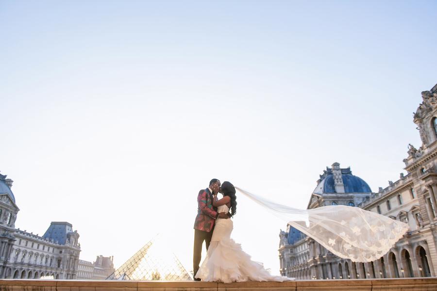Funke-and-Jide_wedding_fall-2018_munaluchi-bride-magazine_munaluchi_decor_fashion_bridal_gown_paris_france_paris-wedding_multicultural-love67-1.jpg
