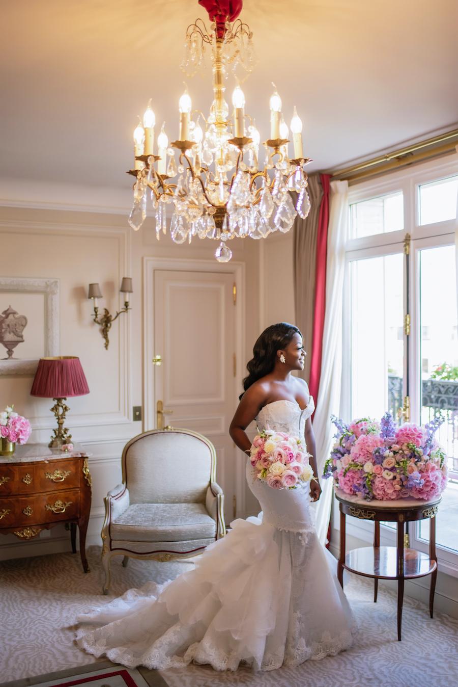 Funke-and-Jide_wedding_fall-2018_munaluchi-bride-magazine_munaluchi_decor_fashion_bridal_gown_paris_france_paris-wedding_multicultural-love61.jpg