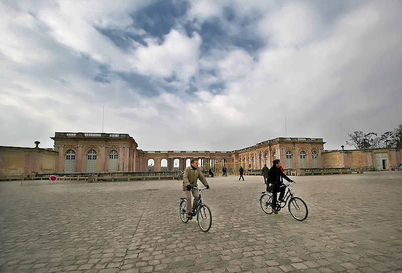 bikers and grand trianon