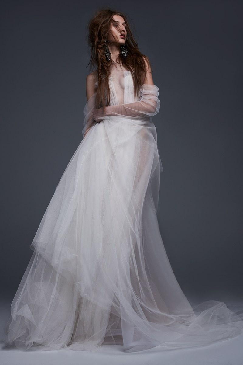 Vera Wang | Bridal Fall Fashion Show- 2017 (Image Source: Vogue)