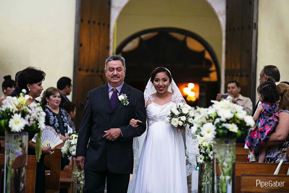 Pipe_gaber_fotografia_valladolid_wedding_boda_yucatan_mexico_bride_iglesia_capilla_candelaria_chappel_08.JPG