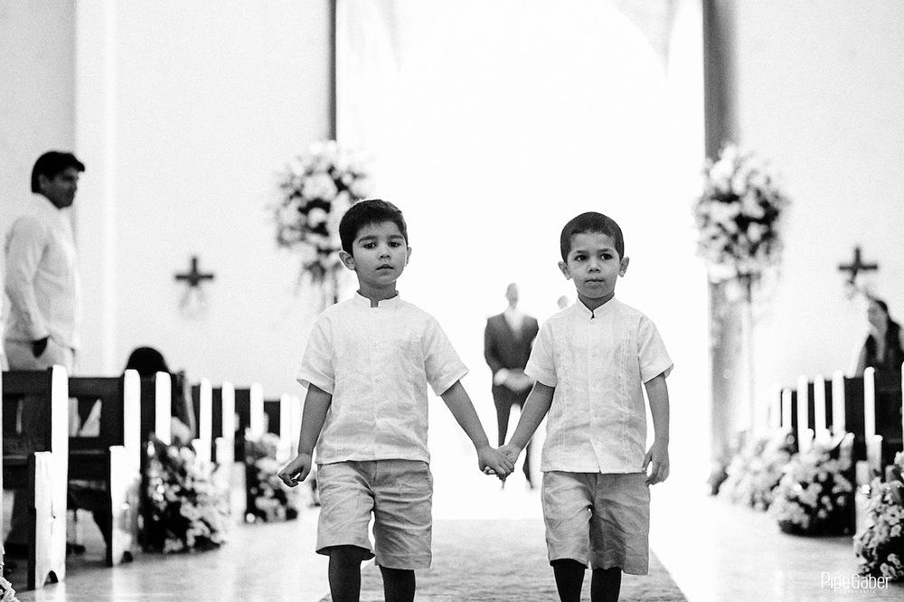 Yucatan_wedding_mexico_chicxulub_pueblo_church_iglesia_boda_fotografia_espontanea_pipe_gaber_momentos_11.JPG