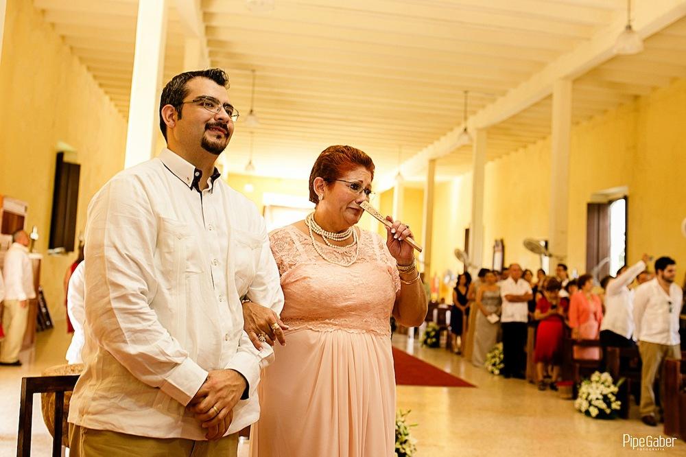 Yucatan_wedding_mexico_chicxulub_pueblo_church_iglesia_boda_fotografia_espontanea_pipe_gaber_momentos_15.JPG