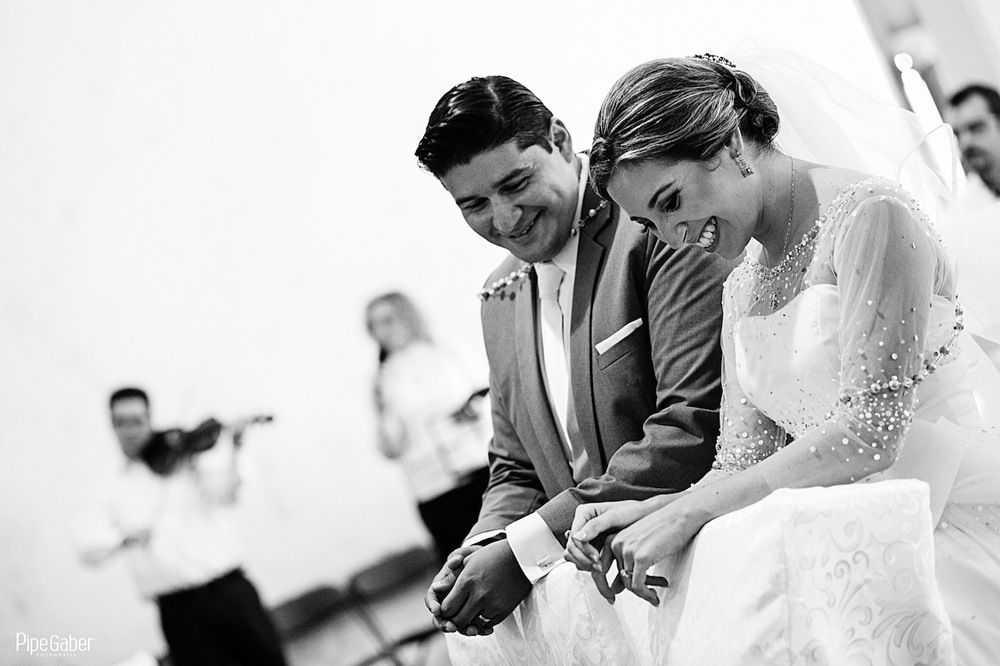 Yucatan_wedding_mexico_chicxulub_pueblo_church_iglesia_boda_fotografia_espontanea_pipe_gaber_momentos_18.JPG