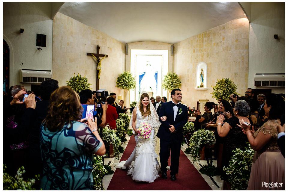boda_española_merida_fotografia_vicky_martin_berrocal_san_ramon_norte_cristo_divina_misericordia_pipe_gaber_wedding_28.JPG