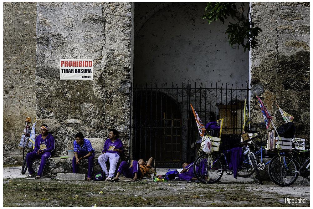 antorchistas_guadalupanos_yucatan_izamal_tradiciones_mexico_virgen_guadalupe_01.JPG