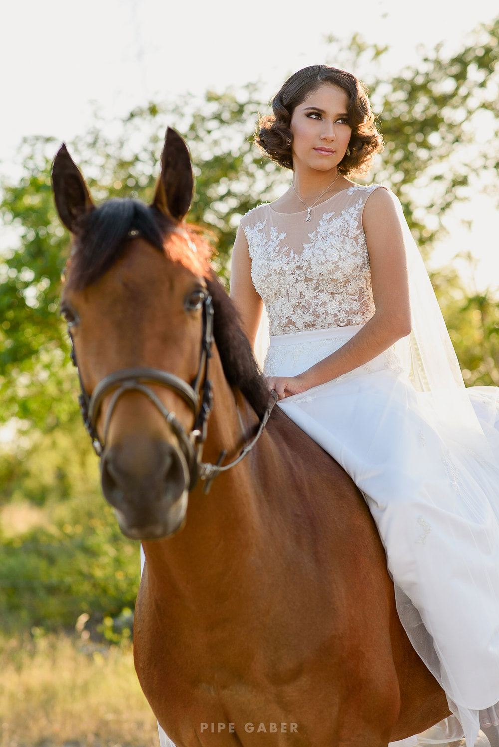 Trash_the_dress_horses_caballo_fotografia_merida_1.JPG
