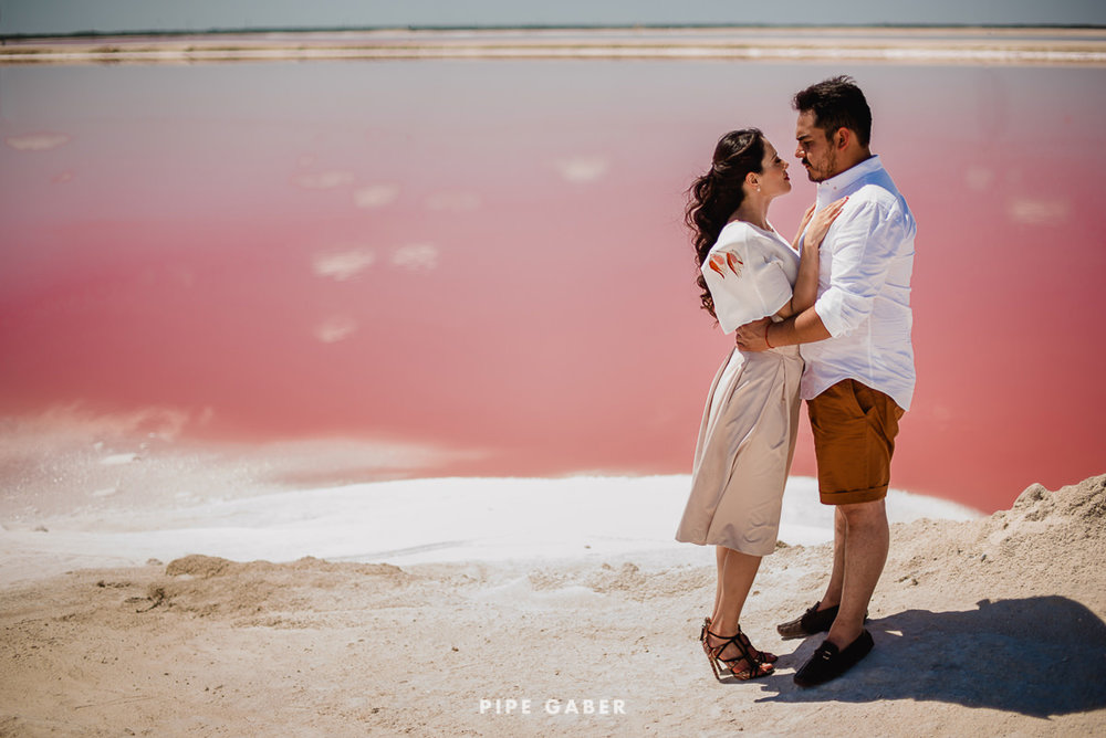 SESION_SALINERA_YUCATAN_SAVE_THE_DATE_E_SESSION_LAS_COLORADAS_FOTOGRAFO_MEXICO_14.JPG