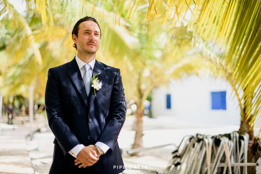 Wedding_phographer_Yucatan_beach_2.JPG