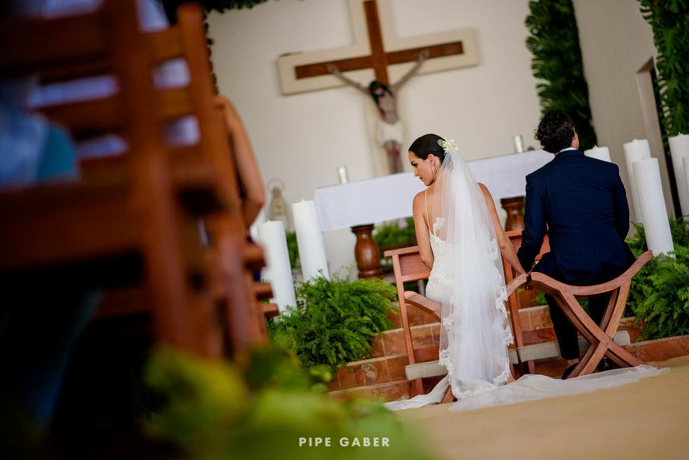 Wedding_phographer_Yucatan_beach_13.JPG
