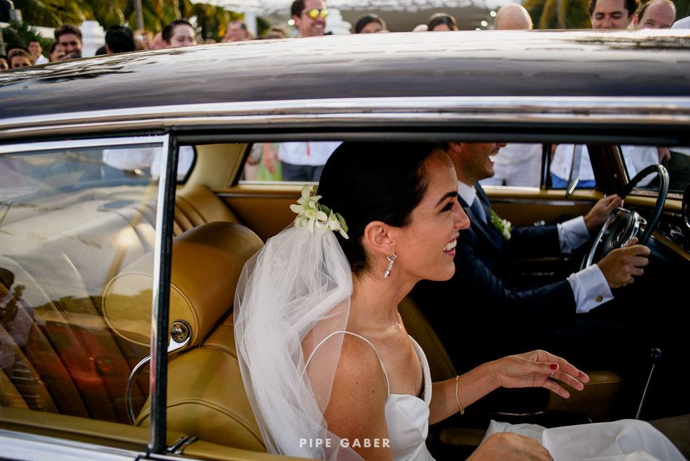 Wedding_phographer_Yucatan_beach_18.JPG