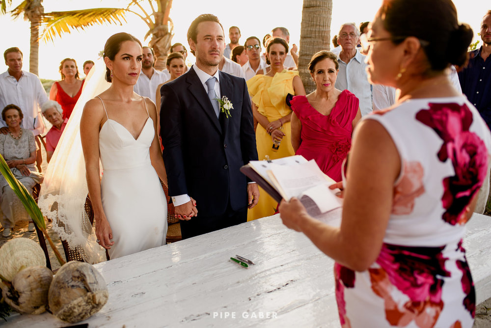 Wedding_phographer_Yucatan_beach_22.JPG