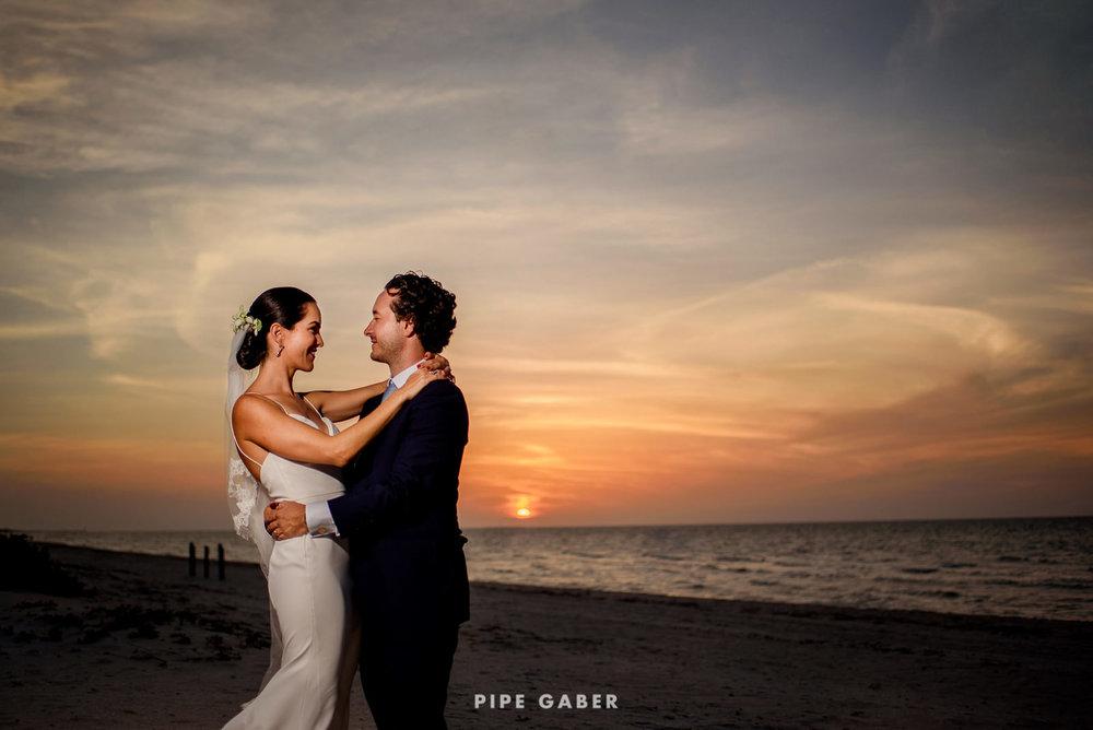 Wedding_phographer_Yucatan_beach_26.JPG