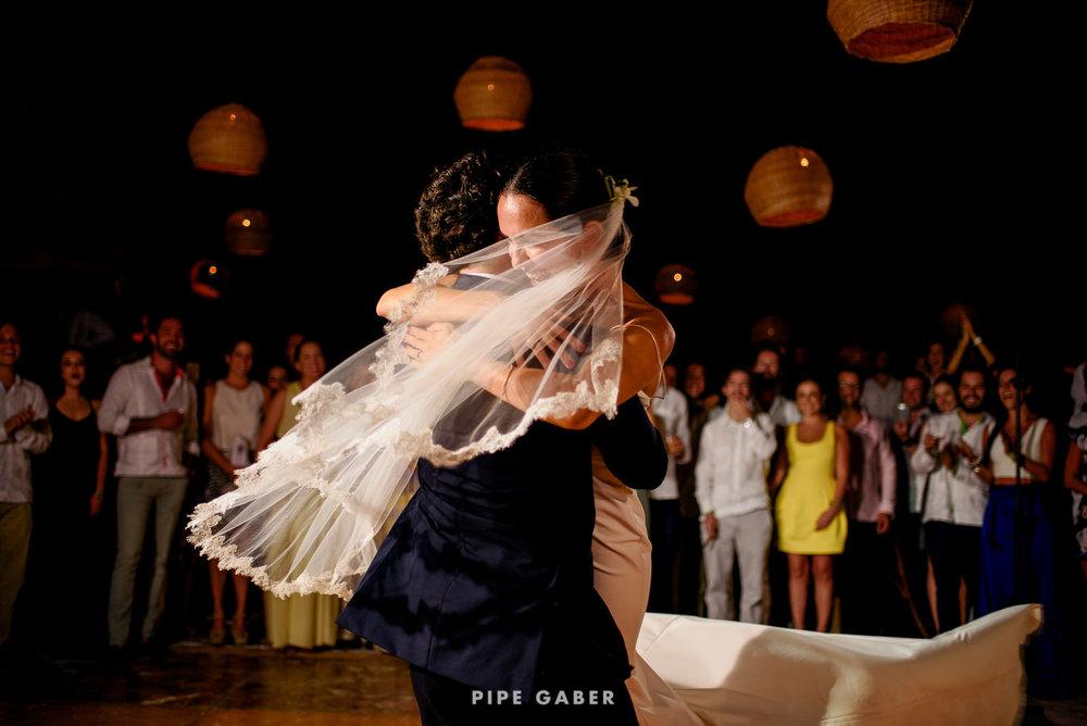 Wedding_phographer_Yucatan_beach_31.JPG