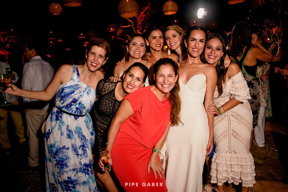 Wedding_phographer_Yucatan_beach_38.JPG