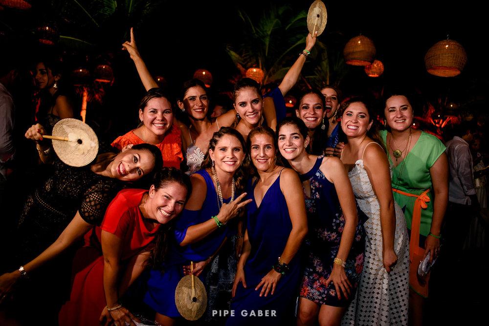Wedding_phographer_Yucatan_beach_39.JPG