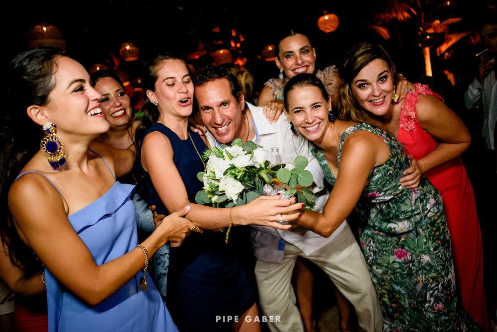 Wedding_phographer_Yucatan_beach_53.JPG