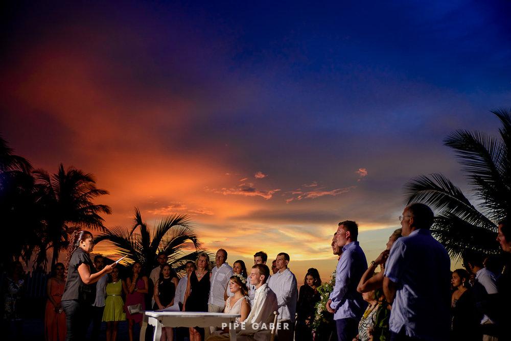 17_07_17_WEDDING_CIVIL_NICOLE_PENICHE_051_WEB.jpg