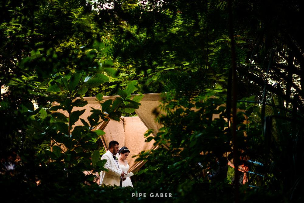 17_09_16_WEDDING_LILY_MORAN_CARLOS_APT_2212_web.jpg