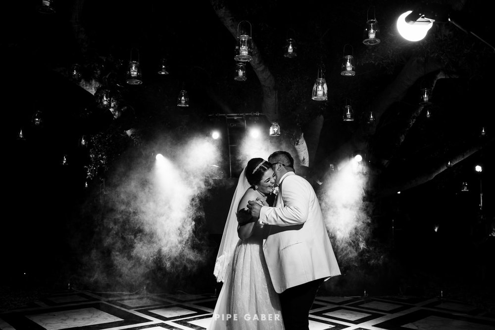 17_09_16_WEDDING_LILY_MORAN_CARLOS_APT_2834_web.jpg