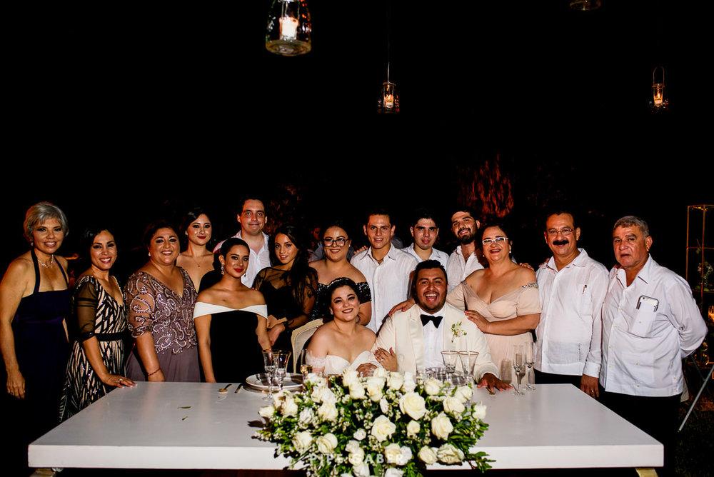 17_09_16_WEDDING_LILY_MORAN_CARLOS_APT_3198_web.jpg