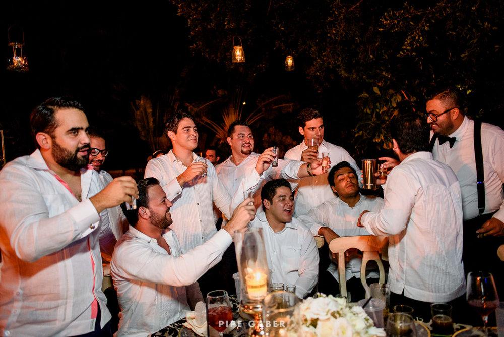 17_09_16_WEDDING_LILY_MORAN_CARLOS_APT_3297_web.jpg