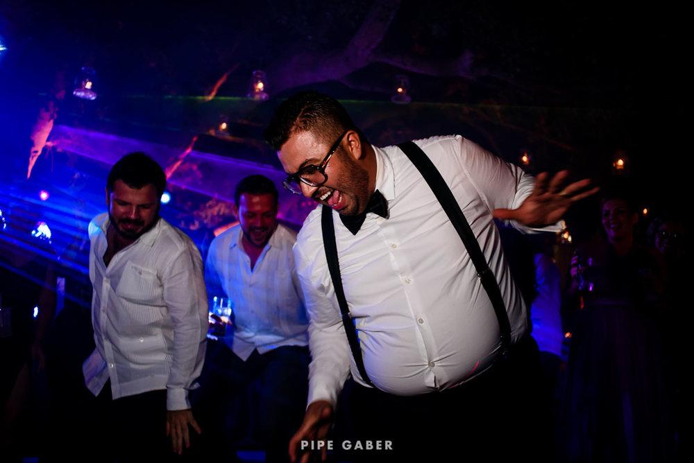 17_09_16_WEDDING_LILY_MORAN_CARLOS_APT_3627_web.jpg