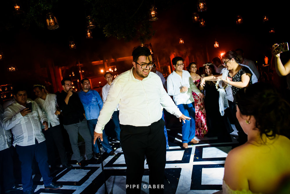 17_09_16_WEDDING_LILY_MORAN_CARLOS_APT_4315_web.jpg