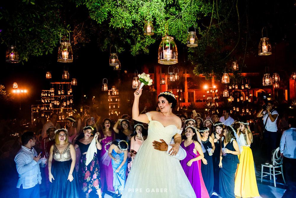 17_09_16_WEDDING_LILY_MORAN_CARLOS_APT_4233_web.jpg