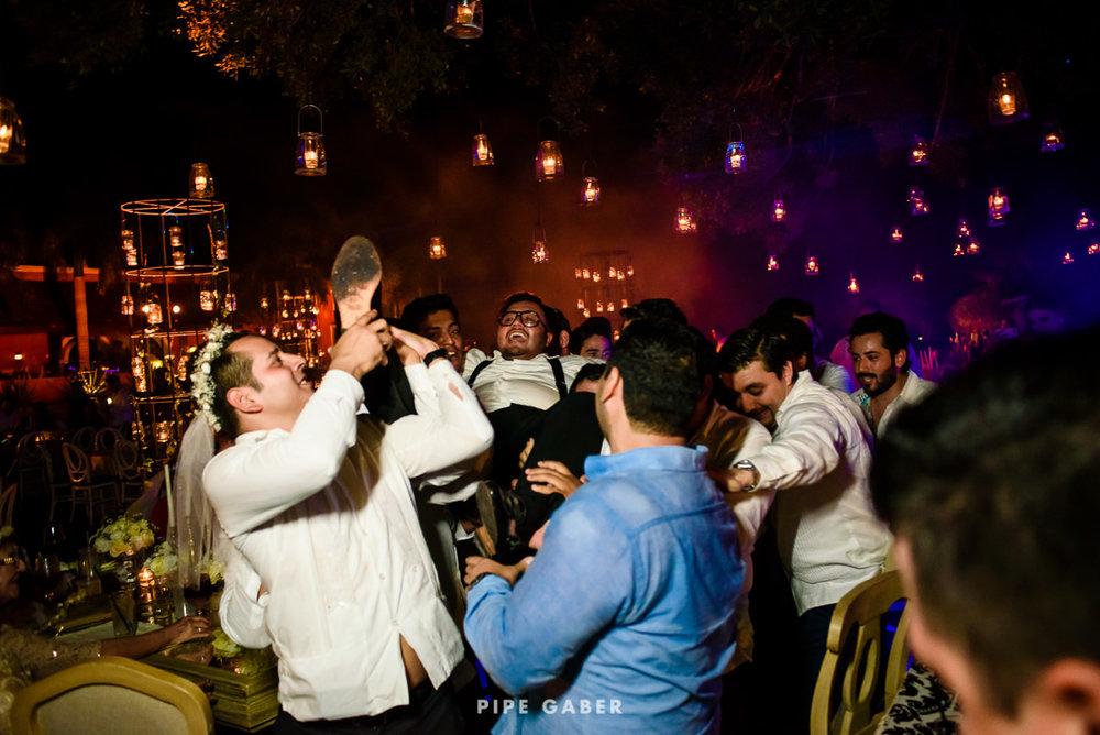 17_09_16_WEDDING_LILY_MORAN_CARLOS_APT_4487_web.jpg