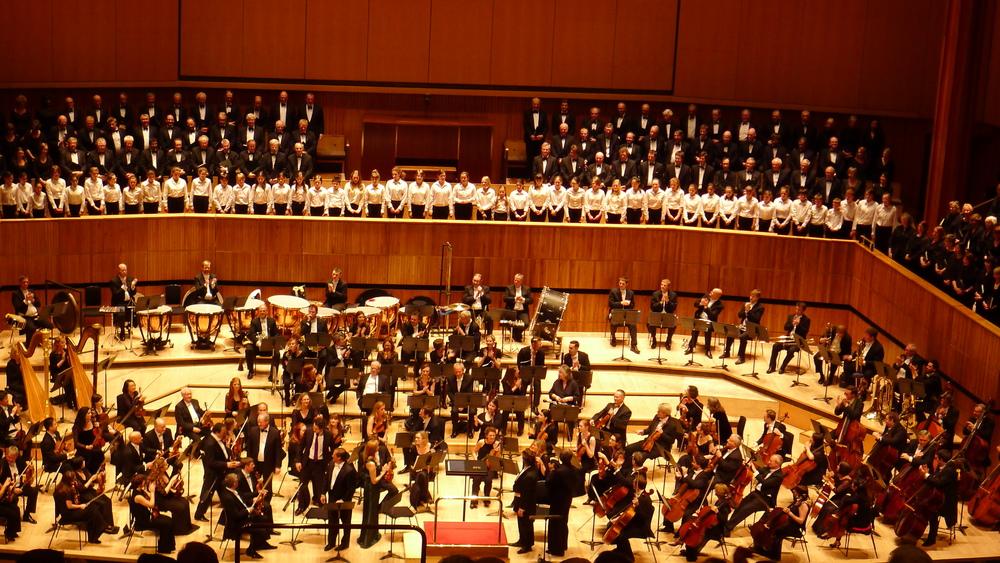 Charles Dutoit conducts Berlioz