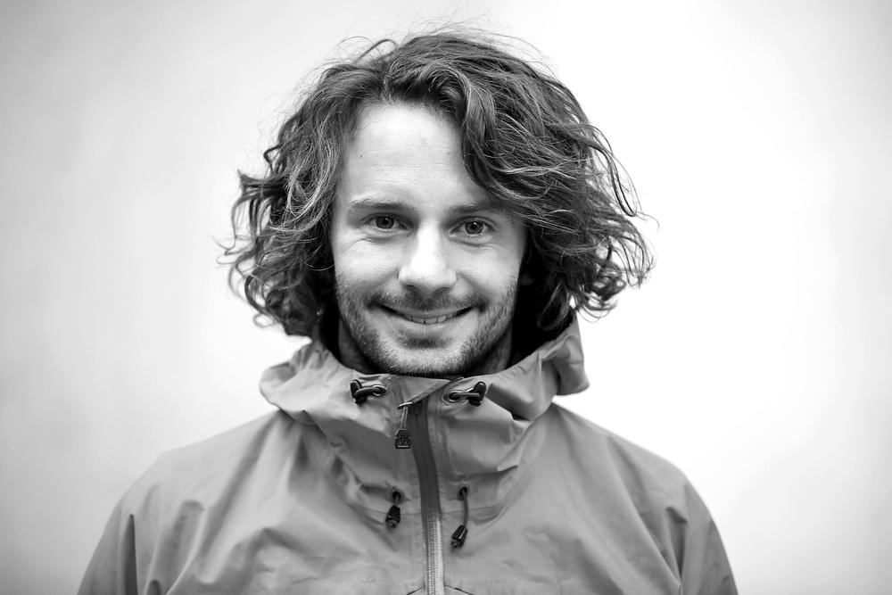 Axel Moberg, grundare av Aidventure, är legitimerad sjuksköterska med specialistutbildning inom ambulanssjukvård.