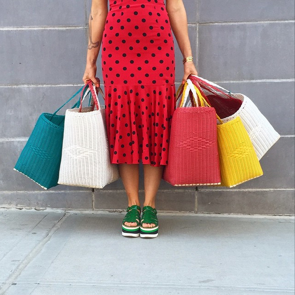 Colorful combination: turquoise, white, strawberry, yellow and some pois! (photo credit: Mociun)