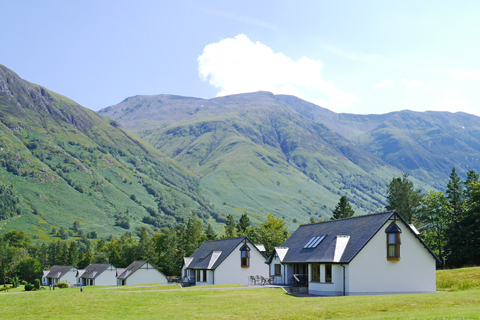 SelfCatering-AllLodges-Ext-02.JPG