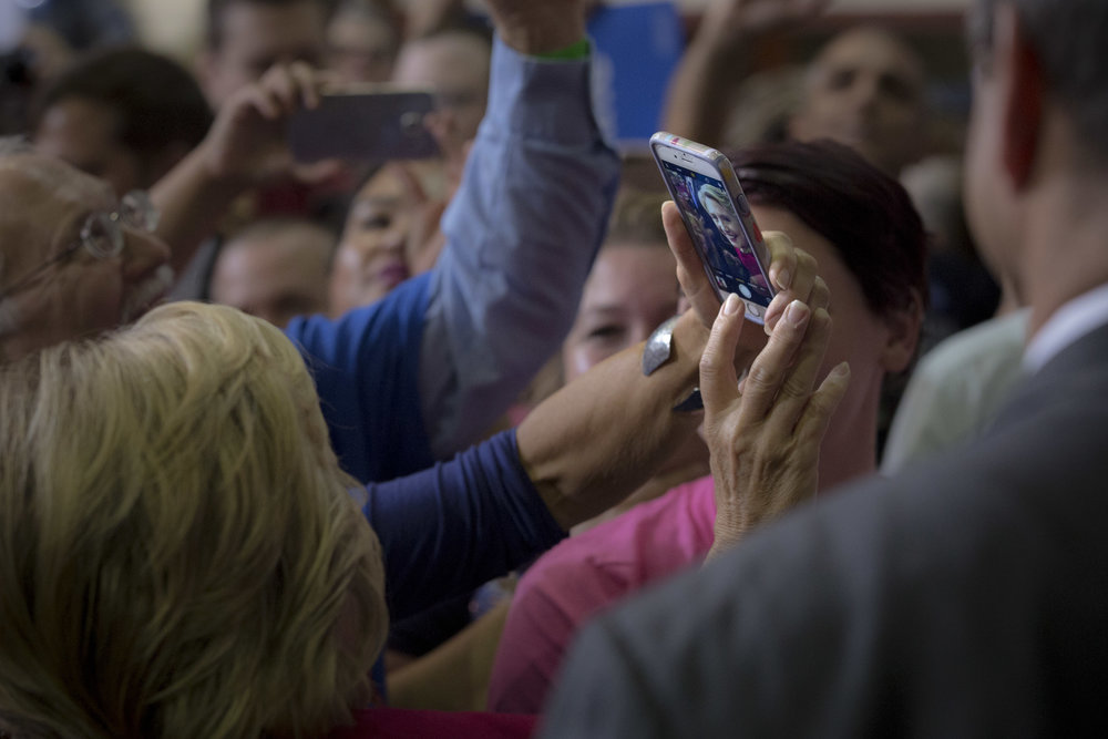 10042016_BJM_Hillary_Clinton_Campaigns_in_Harrisburg_Pennsylvania_37.jpg