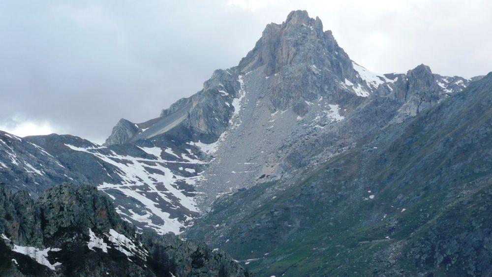 128 colle del mulo - road destroyed by rockslides.jpg