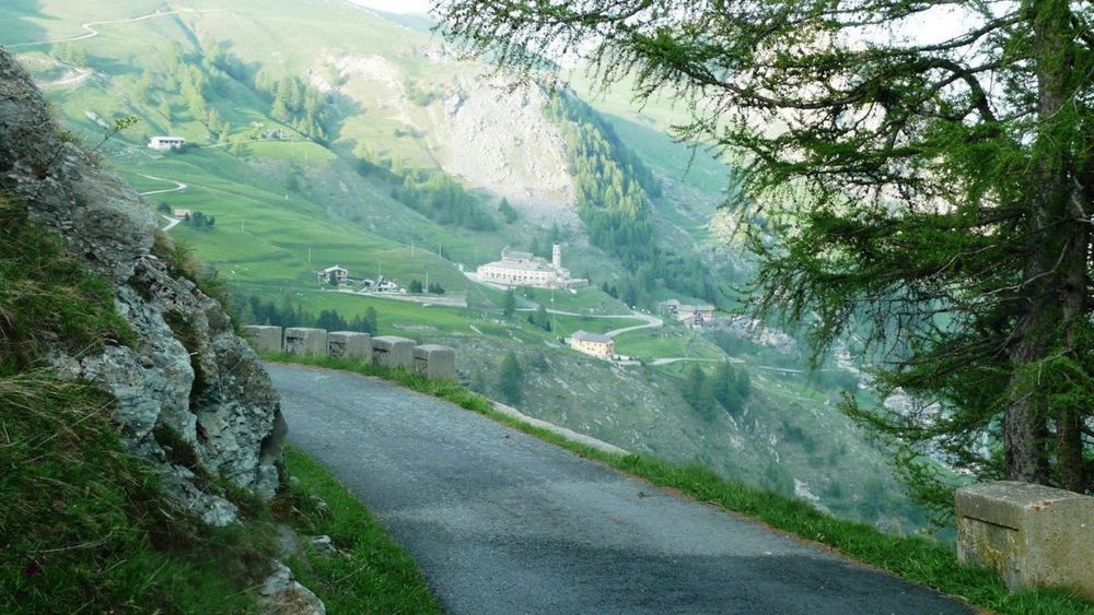 143 máira-stura ridge - valle grana, santuário san magno.jpg