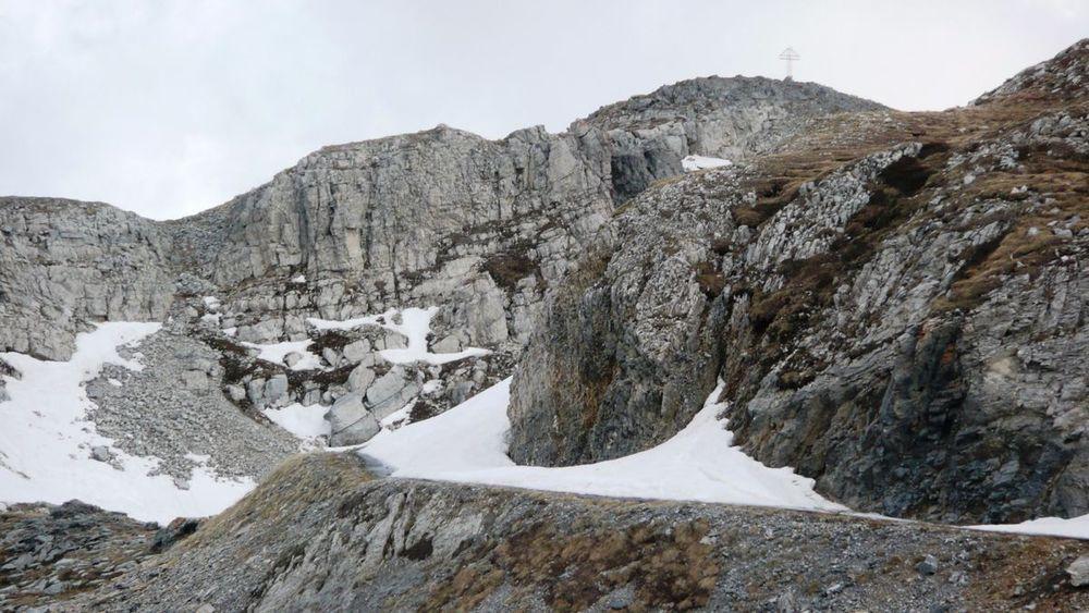 137 máira-stura ridge - colle dei morti, road blocked by snow.jpg