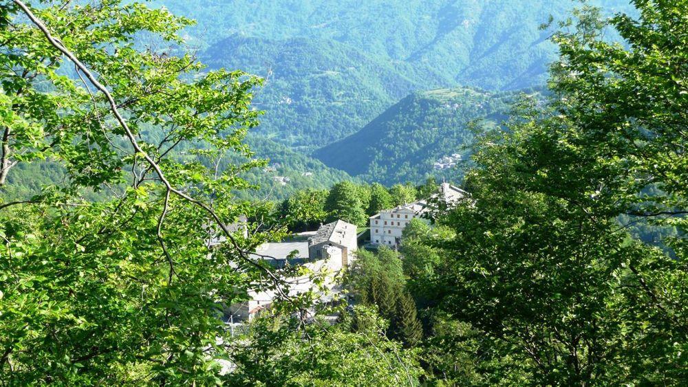 010 varáita-máira ridge - santuario di valmala.jpg